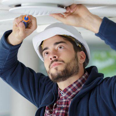 estand_electrician_service_2-min